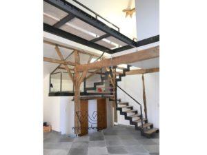 Escalier à crémaillère et son palier balancé